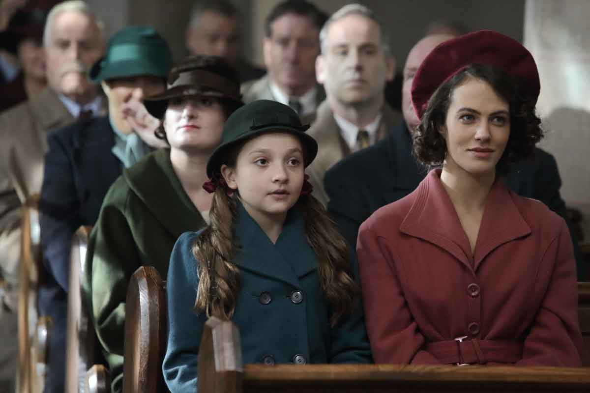 Anya McKenna-Bruce & Jessica Brown Findlay Actors