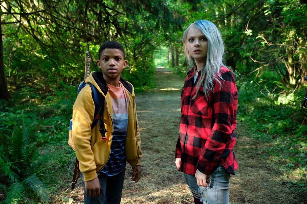 Lonnie Chavis and Amiah Miller in The Water Man (2020)
